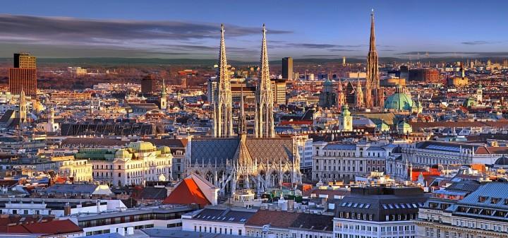 Vienna ViagginonsoloW.jpg